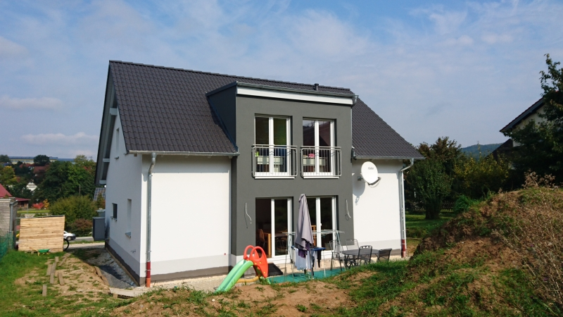 Einfamilienhaus mit gr. Zwerchgiebel in Litzendorf
